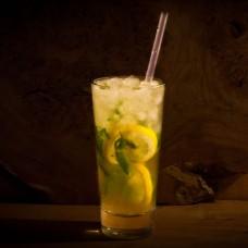 Other Drinks: Fresh Lemonade / Limenade